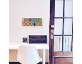 Artland Sleutelbord Gedessineerde keramische tegels van hout met 4 sleutelhaakjes – sleutelbord, sleutelborden, sleutelhouder, sleutelhanger voor de hal – stijl: modern